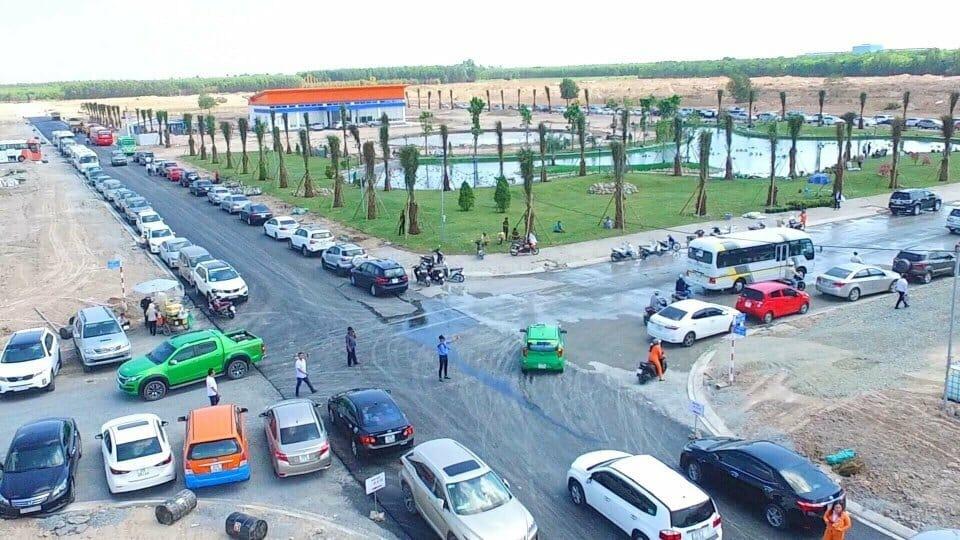 Hình ảnh ngày mở bán dự án Mega City 2