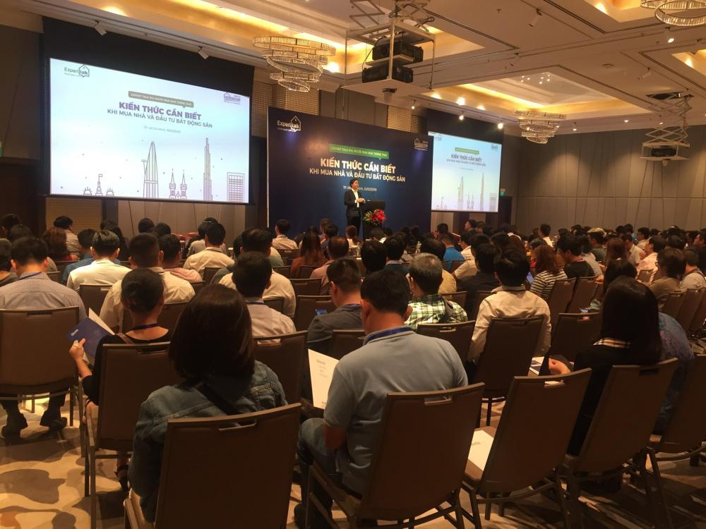 Các khách mời tại Expert Talk 14 do Batdongsan.com.vn tổ chức.