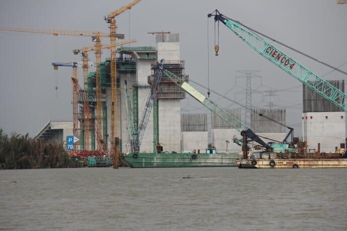 Cầu Phước Khánh đang dần hoàn thiện
