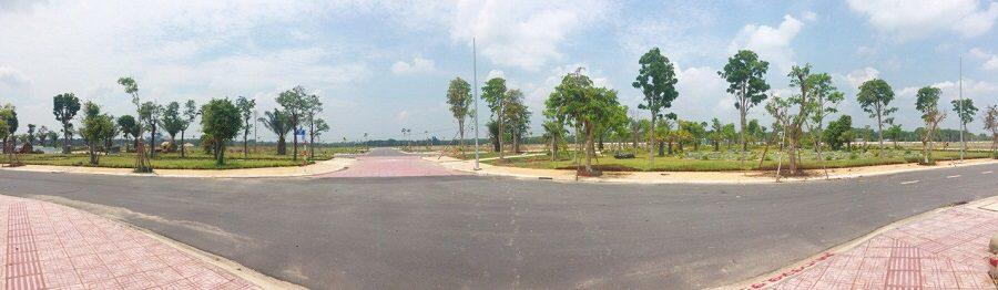 Các tuyến đường trong khu đô thị rộng thoáng, vỉa hè trồng nhiều cây xanh