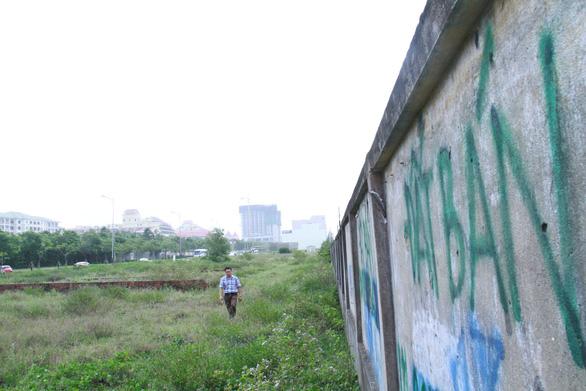 Vệt đất ở khu vực gần sân bay Nước Mặn (thuộc phường Khuê Mỹ, quận Ngũ Hành Sơn)